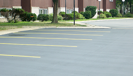 apartment-condominium-asphalt-paving-michigan